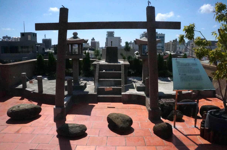 林百货楼顶神社